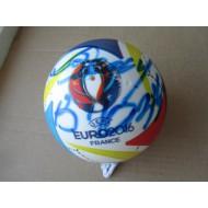 Футбольный мяч с автографом Валерия Газзаева(автограф: Валерий Газзаев)